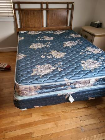 Photo 4 piece bed room set including mattress full size (Arlington)