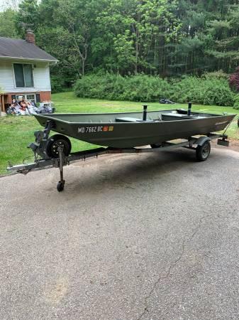 Photo Alumacraft 16ft Jon Boat with Haul Rite Trailer - $2,800 (Ellicott City)