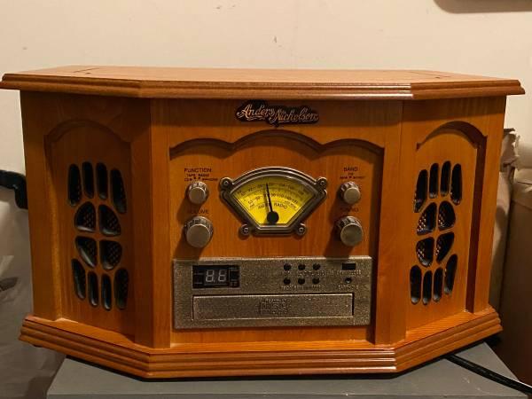 Photo Anders Nicholson Model F-900 Cherry Record Player Turntable CD Radio - $85 (Baltimore)