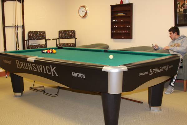 Photo Brunswick Metro Tournament Edition 939 Pool Table - $3495 (Ellicott City)