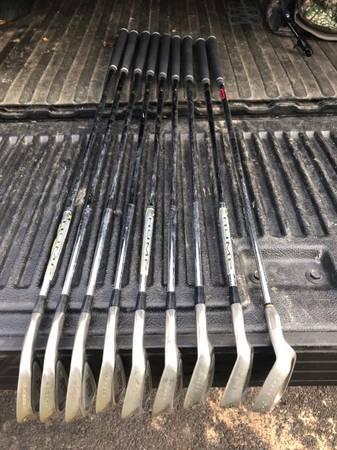 Photo Cobra King Golf Iron Set - $150 (Sparks Glencoe)
