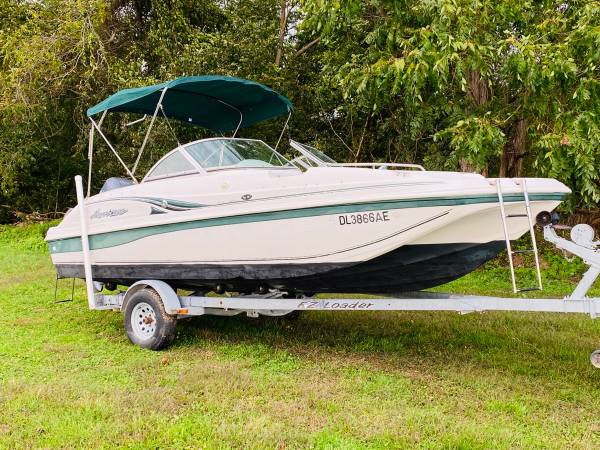 Photo DECK BOAT--HURRICANE SUN DECK SD187 WITH 150HP YAMAHA MOTOR  TRAILER - $11,900 (Conowingo,md)