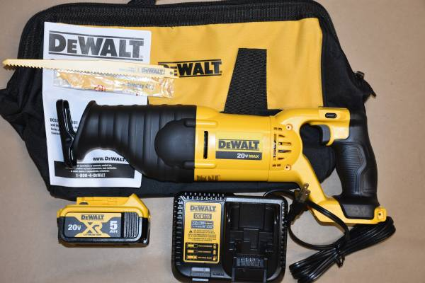 Photo Dewalt 20 V, Max, cordless Sawzall catalog no. DCS 381 P1. - $169 (Bel Air, MD)