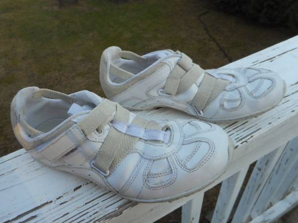 Photo Diesel Mosley Shoes - Women39s Size 6 - EU 36 - $12 (Owings Mills)