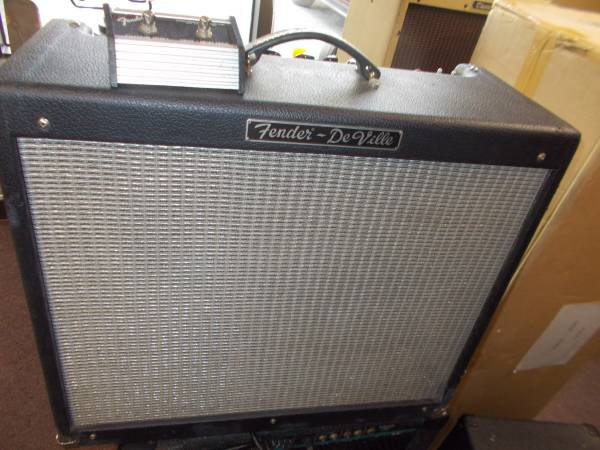 Photo FENDER HOTROD DE VILLE USA AMP 2-1239S WORKS GREAT WPEDAL - $350 (WHITE MARSH)