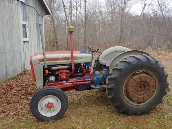 Photo Ford 801 Tractor - $4200 (White Hall)