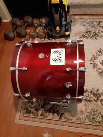 Photo Fs ft 20x18. Floor drum - $400 (Reisterstown)