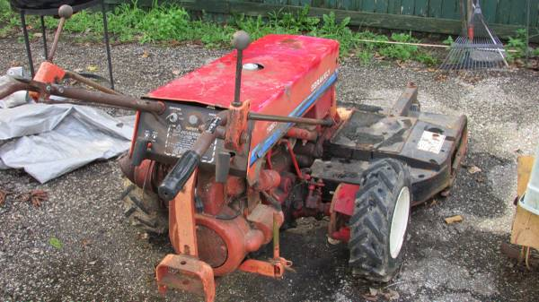 Photo GRAVELY WALK BEHIND - $350 (Pikesville)