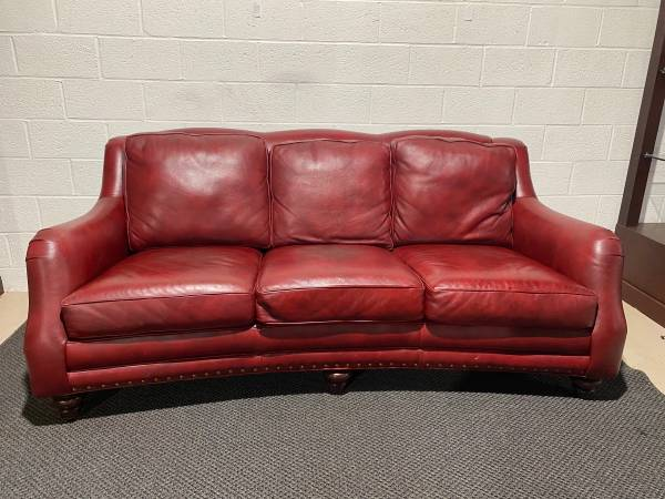 Photo Hancock and Moore Leather Living Room Sundance Sofa - $2,750 (Cockeysville)