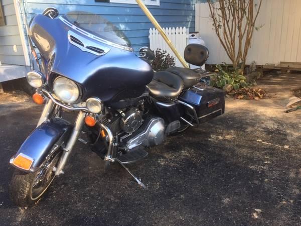 Photo Harley Davidson Road King 2003 Anniversary Edition - $7,500 (Port Deposit)