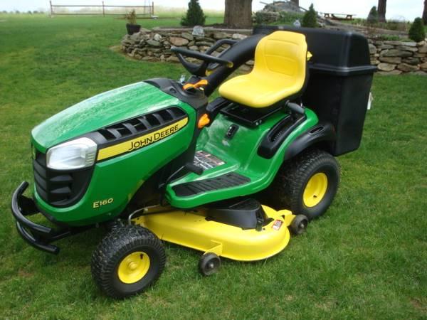 Photo John Deere E160 48quot24 HP V-Twin ELS Hydrostatic, 30 hrs, 4 yr warranty - $2,400 (Sykesville, MD)