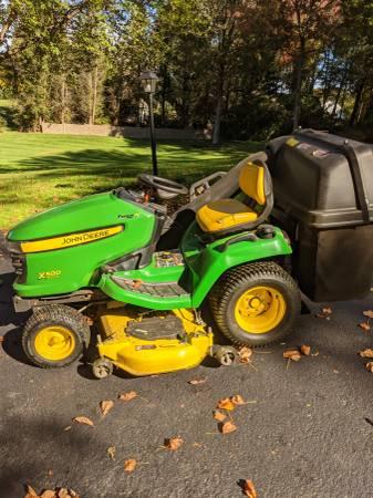 Photo John Deere Lawn  garden tractor wpower flow - $3,600 (Eldersburg)