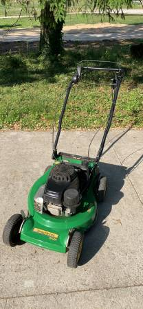Photo John Deere WE85 Commercial 21quot mower with kawasaki engine, clutch blad - $500 (ellicott city)