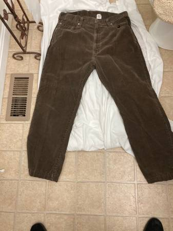 Photo Levis 505 Mens Dark Brown Corduroy Pants Size 38x30 - $5 (Perryville)
