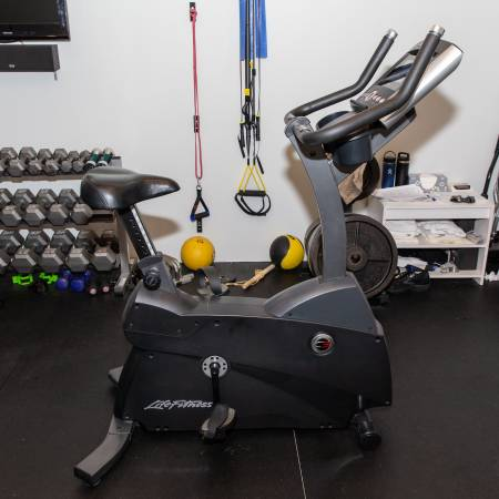 Photo Lifefitness C3 Exercise Bicycle - $850 (Forest Hill)