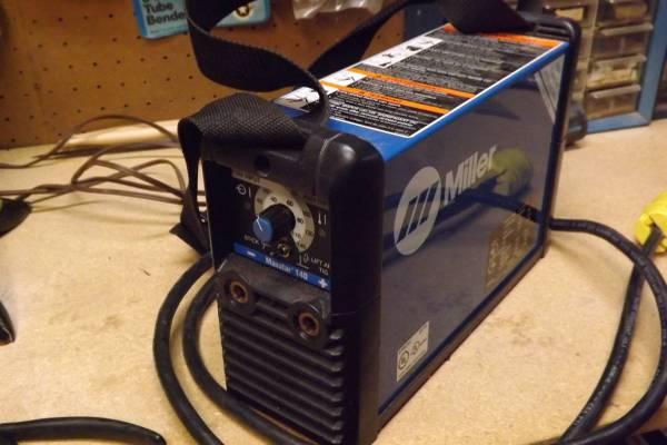 Photo Miller portable welding machine - $625 (abingdon)