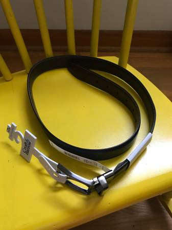 Photo New Croft  Barrow Reversible Belt, Size Med (34-36) - $20 (Perryville)