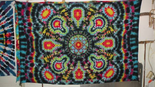 Photo New Hand Made Tie Dye d.c.b. tiedye Tapestry - $40 (Halethorpe)