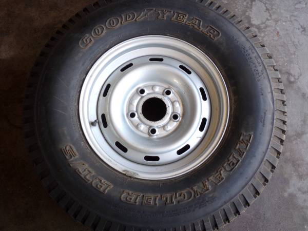 Photo P26575R16 Tire-GOODYEAR WRANGLER RTS-New  Chevy Wheel - $60 (Middle River)
