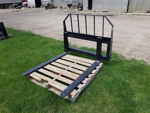 Photo Pallet forks for tractor loader or skid steer 48quot new - $650 (Southern York County)