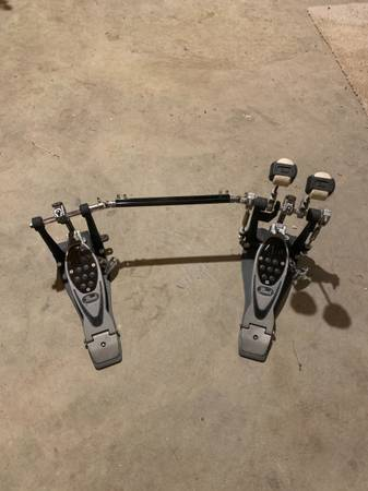Photo Pearl double bass pedal - $125 (Nottingham)