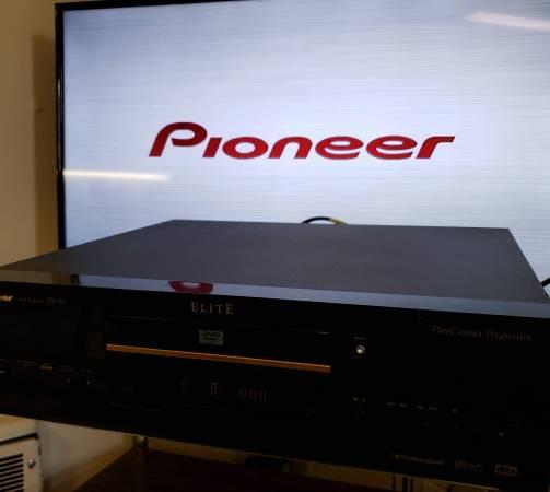 Photo Pioneer Elite Pure Cinema Progressive DVD Player - $60 (Pikesville)
