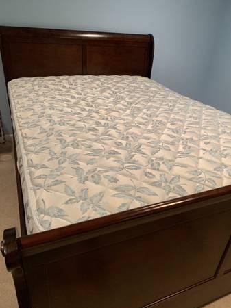 Photo Queen size sleigh bed with mattress - $100 (Ellicott City)