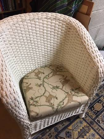 Photo Real White Wicker Arm Chair With Seat Cushion - $25 (Towson)