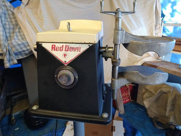 Photo Red devil paint shaker - $400 (Parkville)