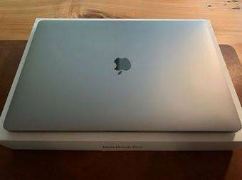Photo SUPER FAST Apple MacBook Pro 15.4quot laptop Comes With Nice Case - $500 (baltimore)