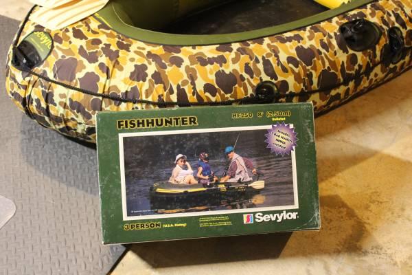 Photo Sevylor Fish Hunter Boot HF 250 - $190 (Ellicott City)