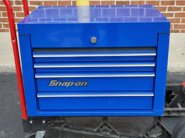 Photo Snap-On Tool Box Top Chest 4-Drawer KRA4014FPCM Royal Blue - $799 (Aberdeen)