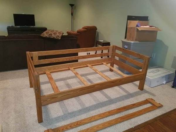 Photo THIS END UP TWIN BED  CARGO TWIN BED - $100 (BEL AIR MD)