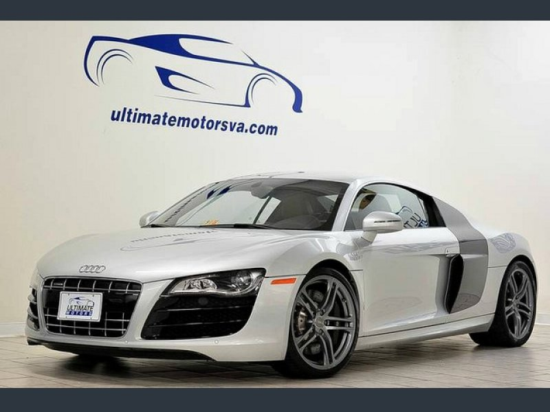 Photo Used 2010 Audi R8 5.2 Coupe for sale