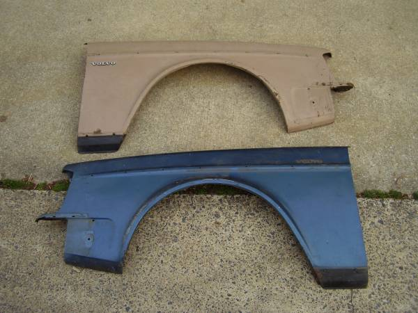 Photo Volvo 240 bumpers and fenders - $100 (Towson)