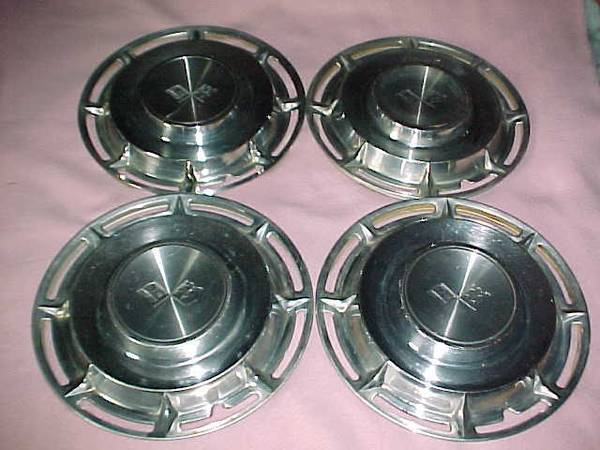 Photo Vtg 1960 Chevy Impala  El Camino 14quot Hubcap Wheel Cover Set - $100 (Reisterstown)