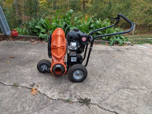 Photo Walk Behind Blower Billy Goat - $1,200 (upperco)