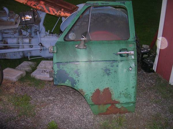 Photo chevy  gmc van doors core support etc 78 to 88 - $150 (whiteford)