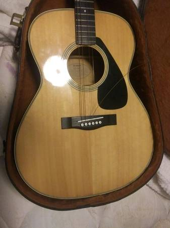 Photo 1982 Yamaha SJ-180 guitar - $130 (KALAMAZOO)