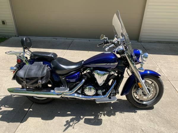 Photo 2007 Yamaha VStar 1300 motorcycle - $6,000 (Alto)