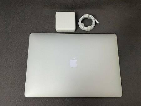 Photo Apple - MacBook Pro - 15quot Display with Touch Bar__ - - $600 (battle creek)