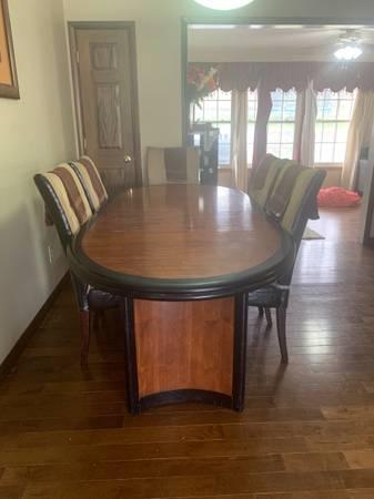 Photo Beautiful cherry wood dining table set to seat 6 $350 obo - $350 (Battle Creek)