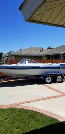 Photo Blue Water Boat - $3400 (Battle Creek Marshall)