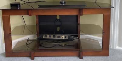 Photo Corner TV Stand- Entertainment Center - $125 (Battle Creek)