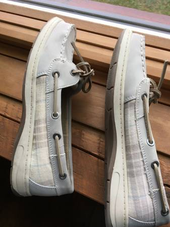 Photo Croft  Barrow Comfy Loafers Women39s Shoes. Size 7 12 Med - $10 (Marshall, MI)