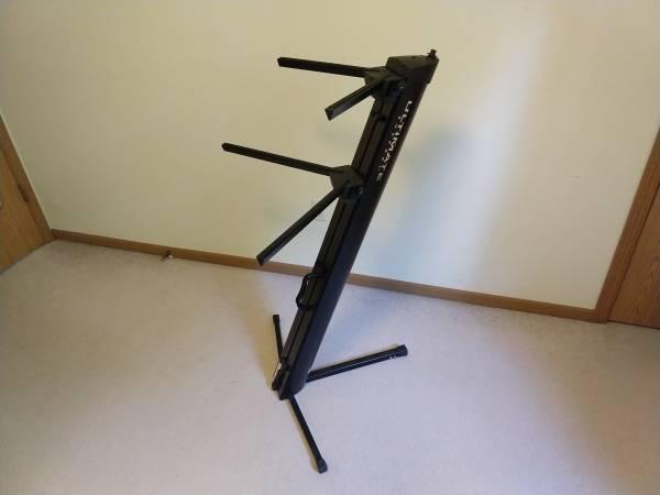 Photo Double Keyboard stand - $75 (Dowagiac)