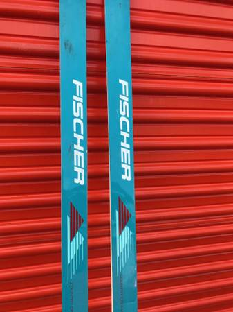 Photo FISCHER CROSS COUNTRY X-C SKIS POLES BINDINGS - $75 (WATERFORD MICHIGAN)