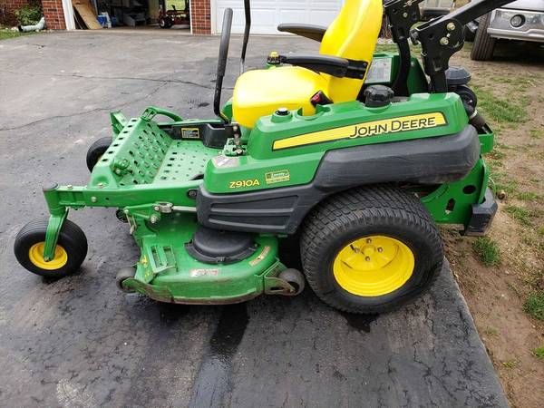 Photo Low hours - John Deere z910a zero turn commercial lawn mower, Kawasaki - $5,200 (Jackson)