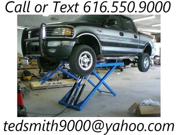 Photo New Titan 6,000 lb. MidRise Scissor Lift Car Hoist (60 inch) - $1,850 (Rockford)