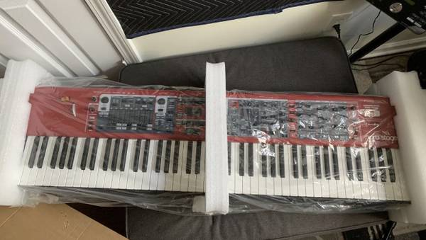 Photo Nord Stage 3 Hammer Action 88 - $3,000